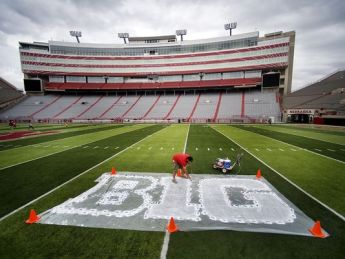 635483976877728073-AP-Ohio-St-Nebraska-Football